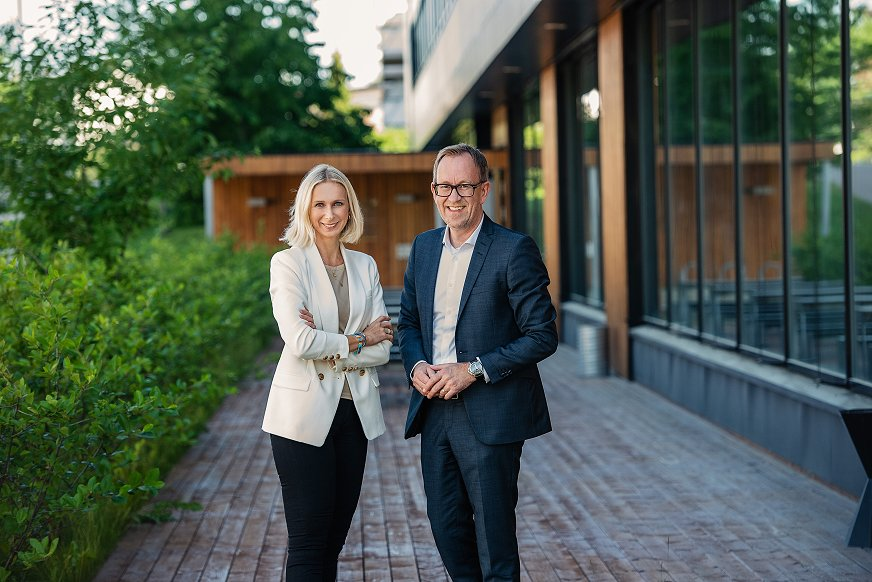 Koncerndirektør kommunikation og bæredygtighedGuro Steine og koncernchef Kim Robert Lisø