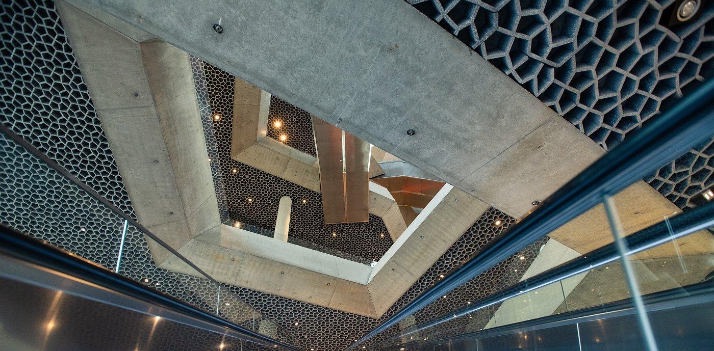 Vi har levert ventilasjon i det flotte Deichmanske bibliotek i Oslo. Et utfordrende og imponerende prosjekt med skjult ventilasjon.